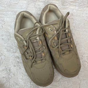 Vionics Walker Classic Tan Sneaker